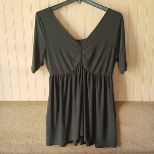 Torrid blouse size 1 dark green short sleeves